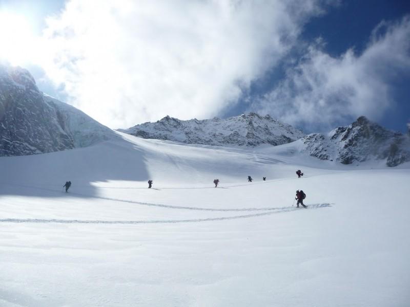 fuoripista sul ghiacciacio Envers du Plan a Chamonix